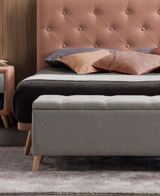 Baules y pies de cama tapizados