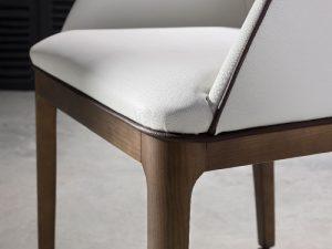 detalle de bordon silla tapizada veneto